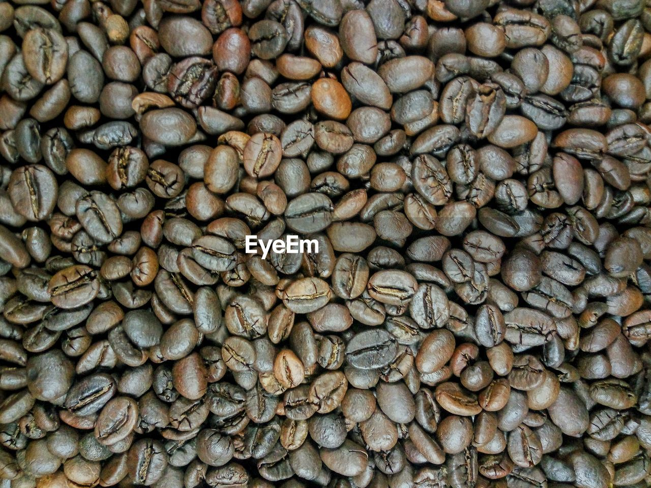 full frame, food and drink, backgrounds, coffee, large group of objects, coffee - drink, food, freshness, no people, abundance, brown, coffee bean, still life, close-up, drink, roasted coffee bean, day, collection, indoors, raw coffee bean, caffeine