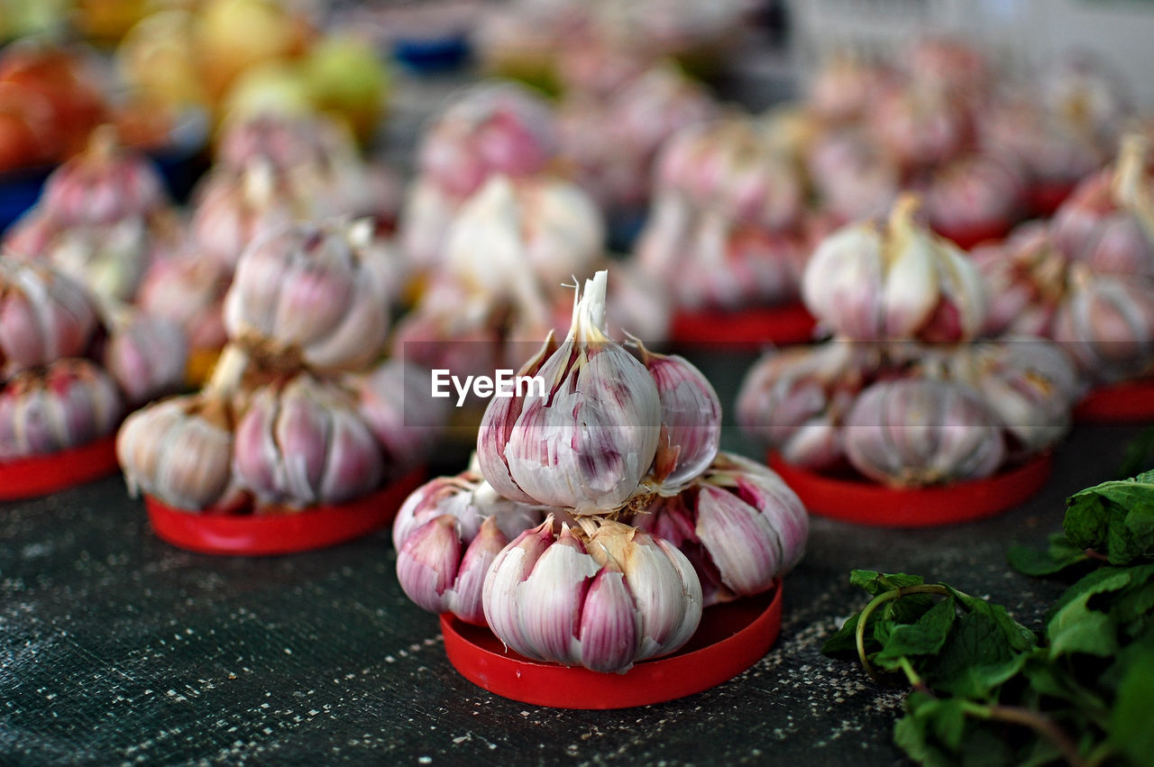 garlic, garlic bulb, food, food and drink, plant bulb, no people, freshness, focus on foreground, healthy eating, close-up, day, outdoors