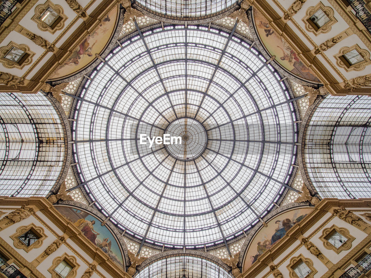 architecture, ceiling, dome, built structure, indoors, pattern, low angle view, cupola, no people, the past, art and craft, architectural feature, history, directly below, geometric shape, ornate, arch, architecture and art, travel destinations, mural, skylight, fresco