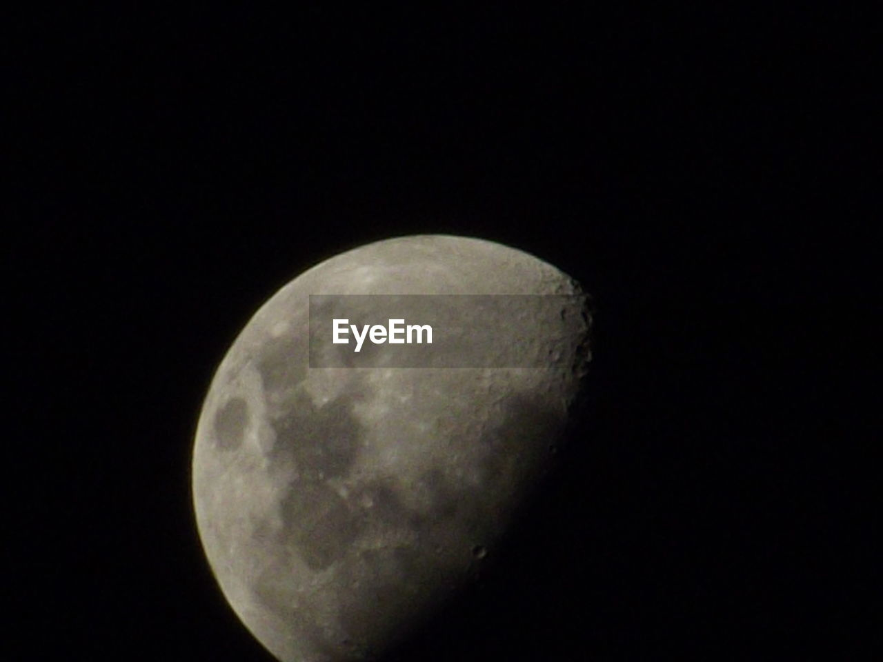 moon, space, astronomy, planetary moon, night, sky, moon surface, copy space, beauty in nature, scenics - nature, clear sky, nature, tranquility, no people, low angle view, tranquil scene, dark, geometric shape, circle, space exploration, outdoors, full moon, astrology, moonlight, space and astronomy