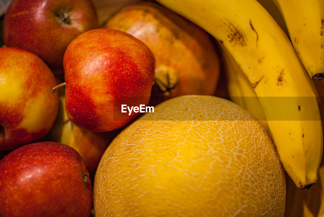 food and drink, food, healthy eating, wellbeing, fruit, freshness, still life, close-up, no people, large group of objects, apple - fruit, full frame, orange color, indoors, red, backgrounds, market, for sale, abundance, group of objects, orange, ripe