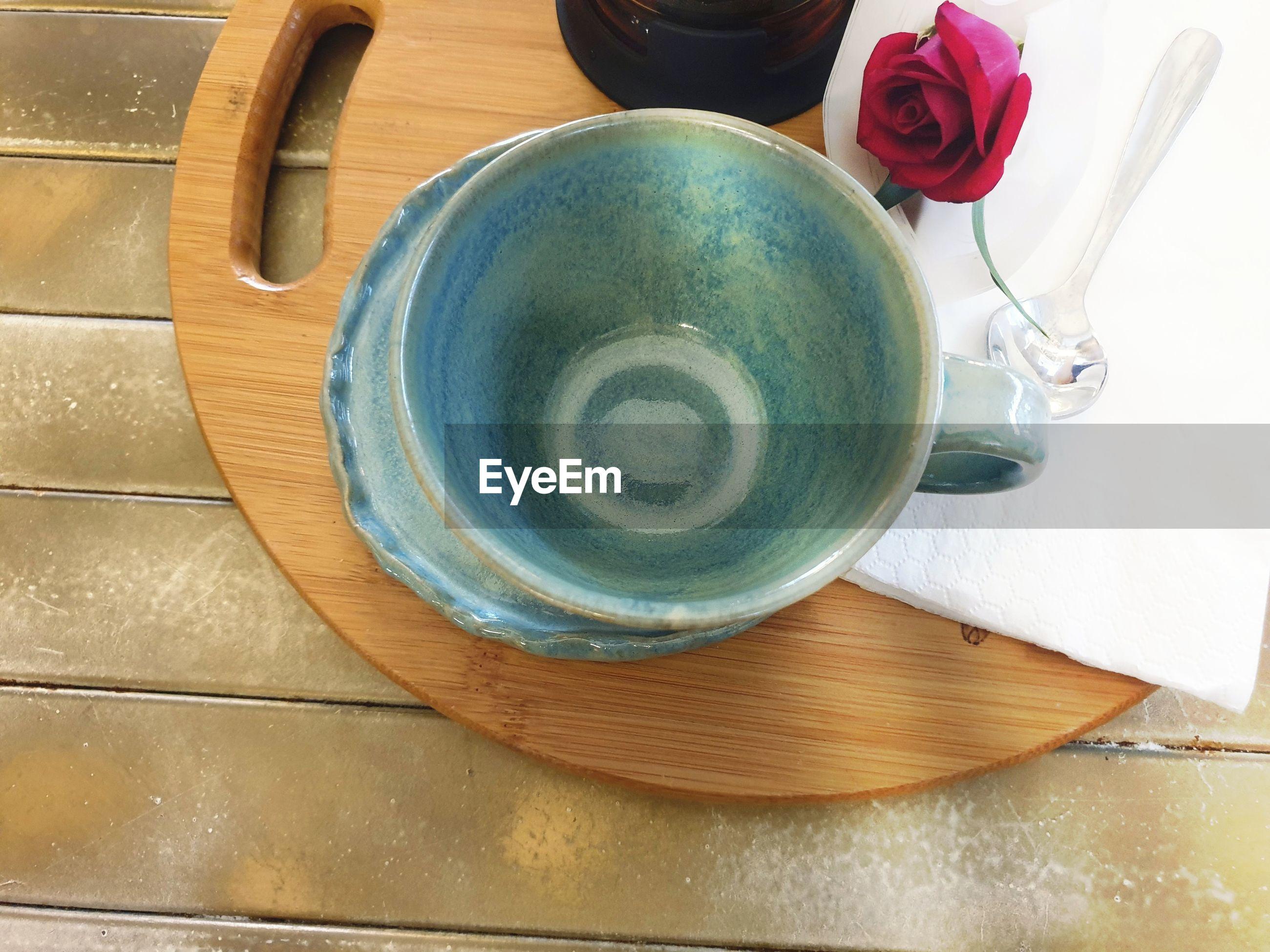 HIGH ANGLE VIEW OF CUP OF TEA