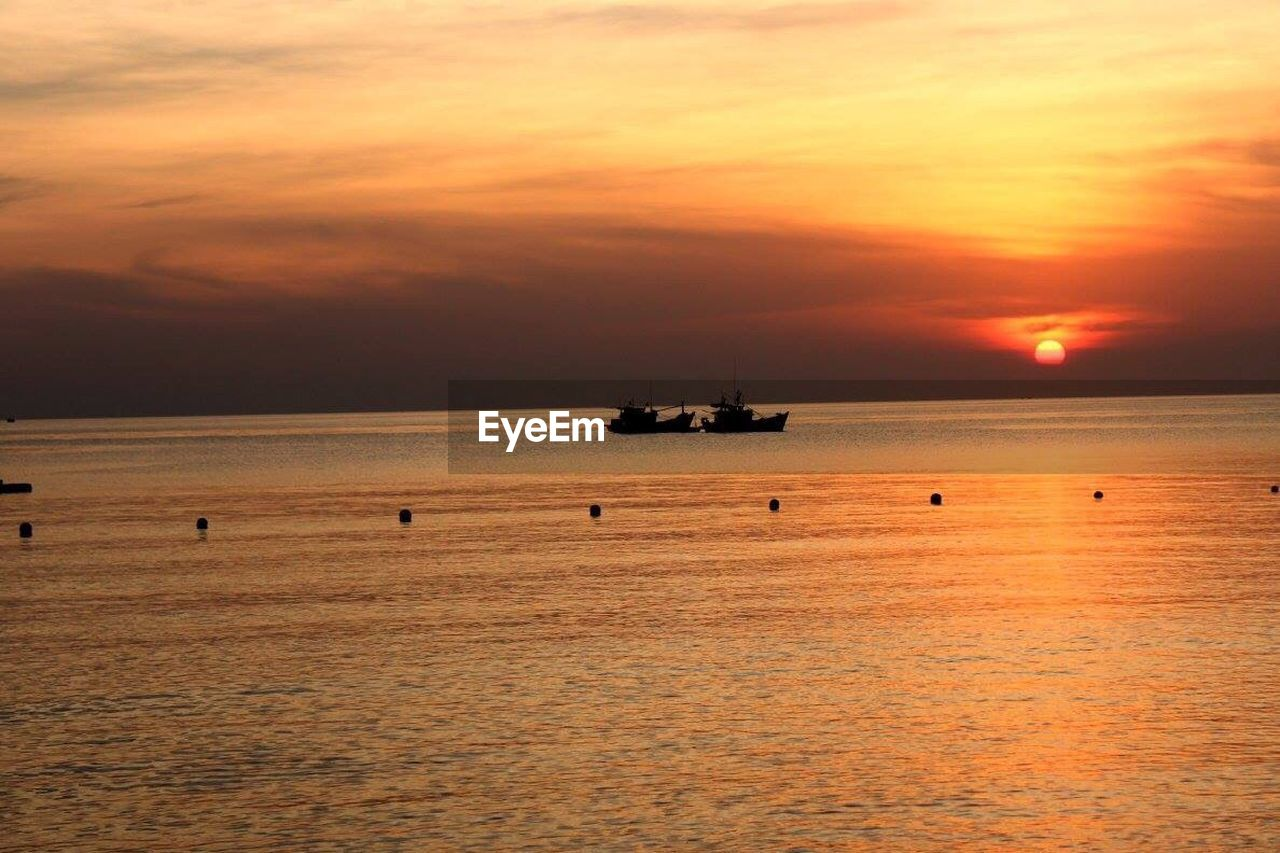 sunset, sea, transportation, silhouette, nautical vessel, beauty in nature, nature, outdoors, no people, mode of transport, water, scenics, horizon over water, cloud - sky, sky, offshore platform, day, drilling rig