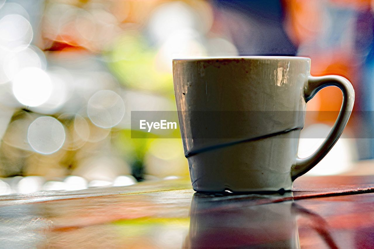 cup, mug, table, drink, coffee cup, close-up, refreshment, food and drink, coffee, no people, focus on foreground, still life, coffee - drink, selective focus, hot drink, indoors, day, tea, heat - temperature, tea - hot drink, tea cup, crockery, non-alcoholic beverage