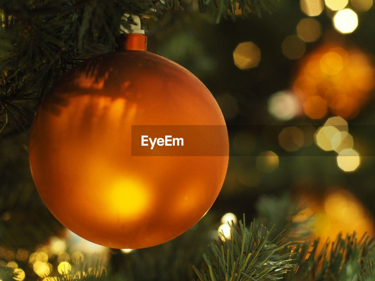 christmas, christmas decoration, christmas tree, decoration, christmas ornament, tree, celebration, holiday, illuminated, close-up, christmas lights, celebration event, holiday - event, focus on foreground, no people, event, plant, sphere