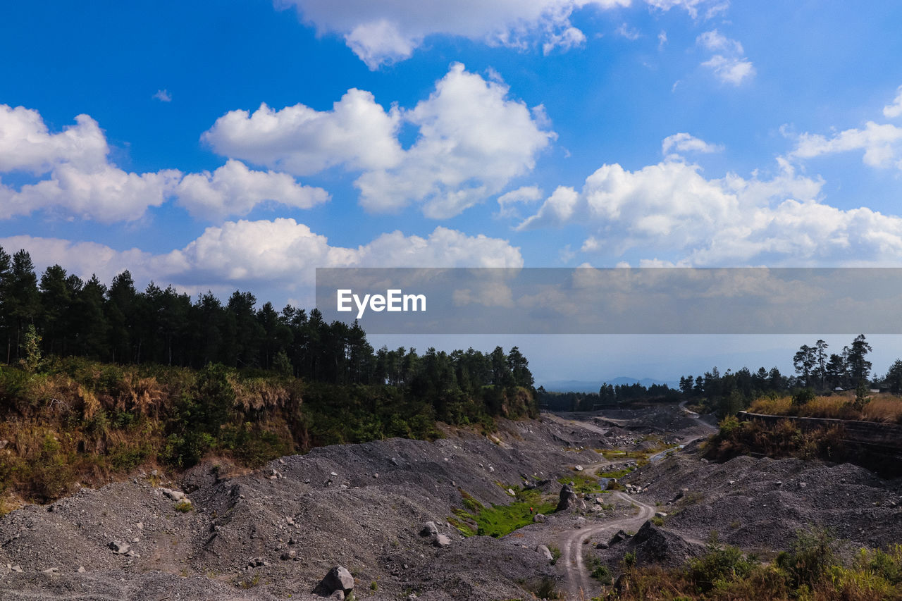 cloud - sky, sky, tree, tranquil scene, tranquility, nature, beauty in nature, day, no people, plant, scenics - nature, non-urban scene, land, landscape, environment, rock, outdoors, solid, rock - object, idyllic