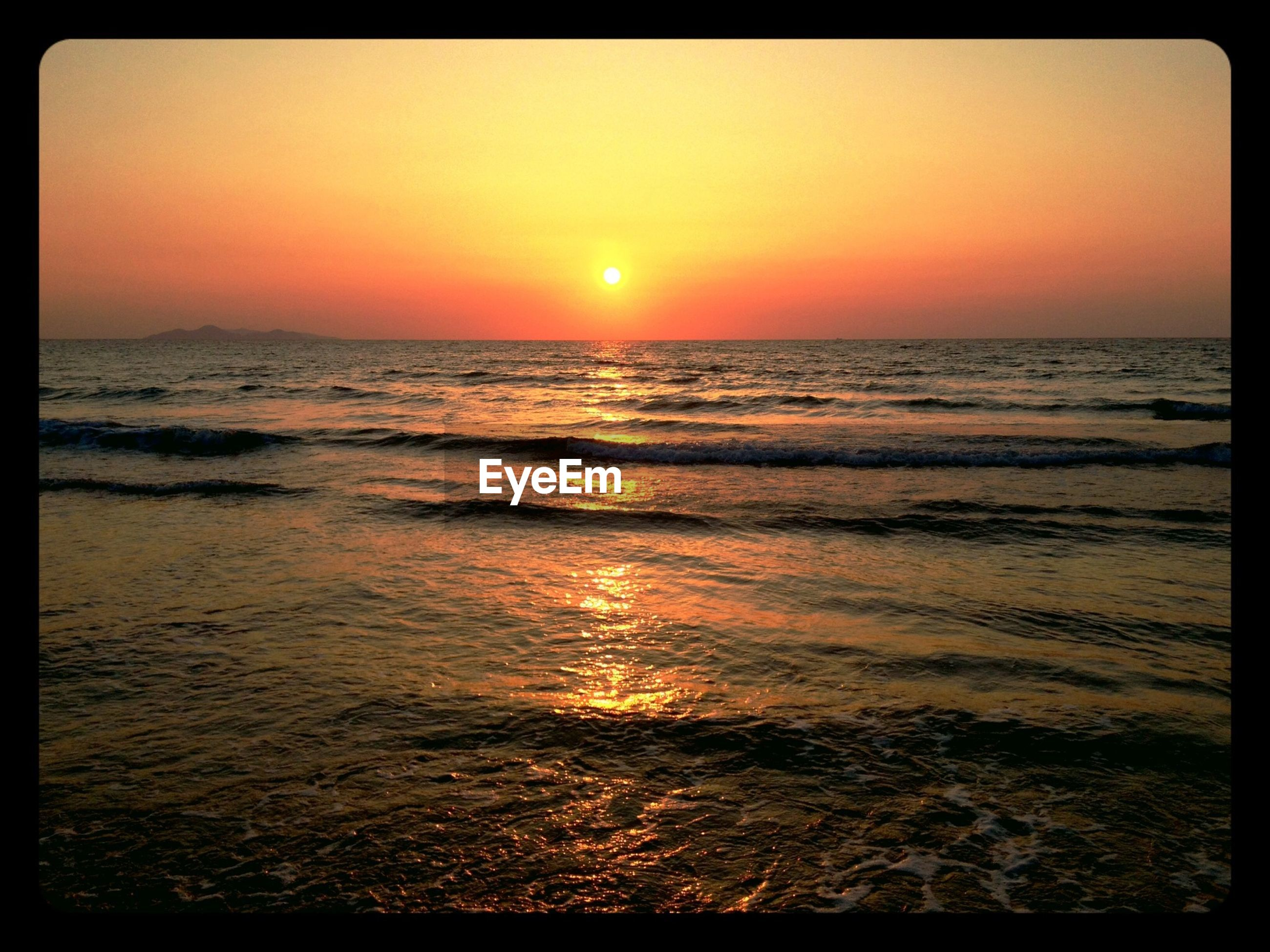 sunset, sea, water, horizon over water, transfer print, scenics, orange color, beauty in nature, tranquil scene, sun, tranquility, auto post production filter, idyllic, nature, clear sky, beach, wave, seascape, rippled, sky