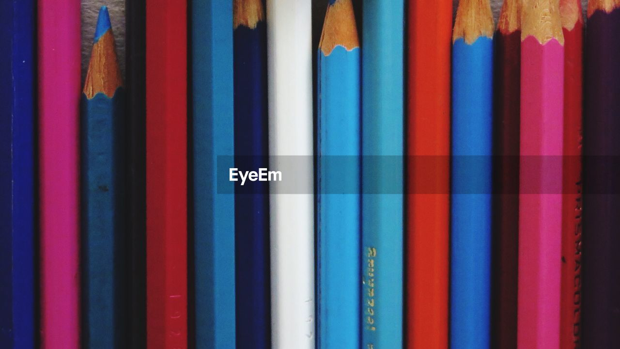 multi colored, variation, colored pencil, choice, backgrounds, colorful, indoors, close-up, no people, full frame, textile, day