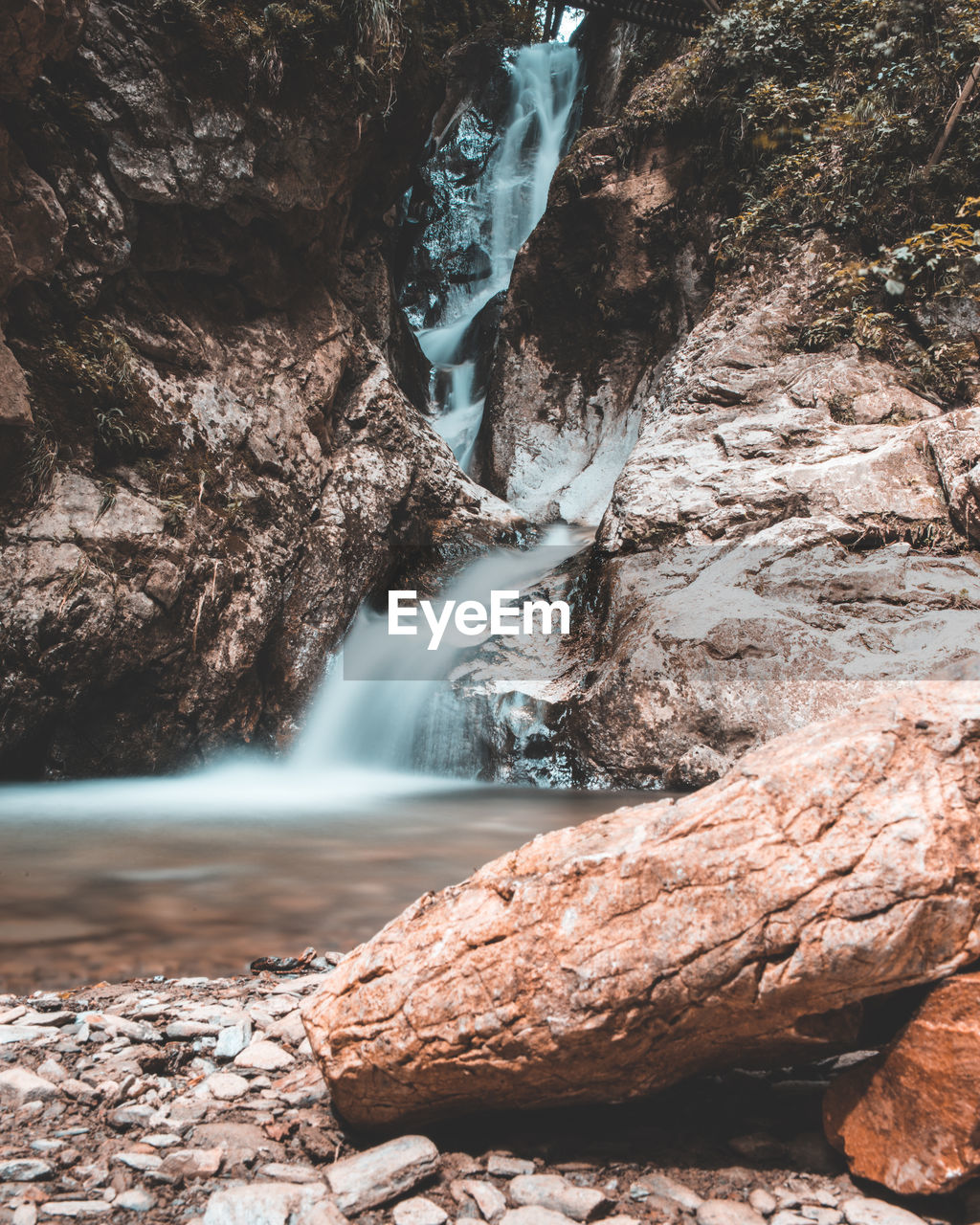 rock, water, solid, rock - object, beauty in nature, scenics - nature, rock formation, nature, waterfall, no people, motion, day, land, environment, tranquility, long exposure, outdoors, flowing water, geology, flowing, eroded, power in nature