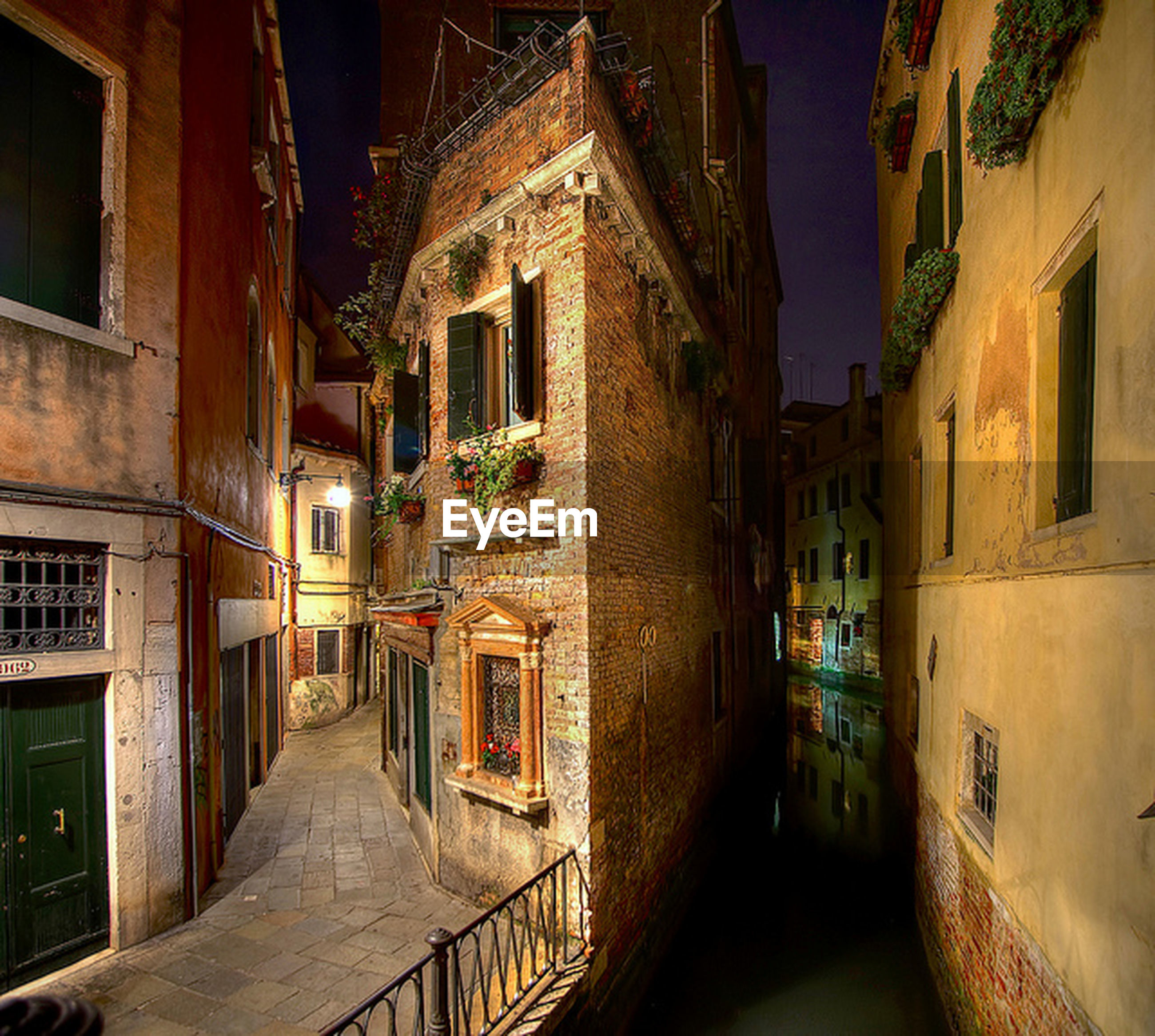 architecture, building exterior, built structure, residential building, residential structure, house, narrow, the way forward, alley, building, town, window, residential district, street, city, clear sky, balcony, night, no people, outdoors