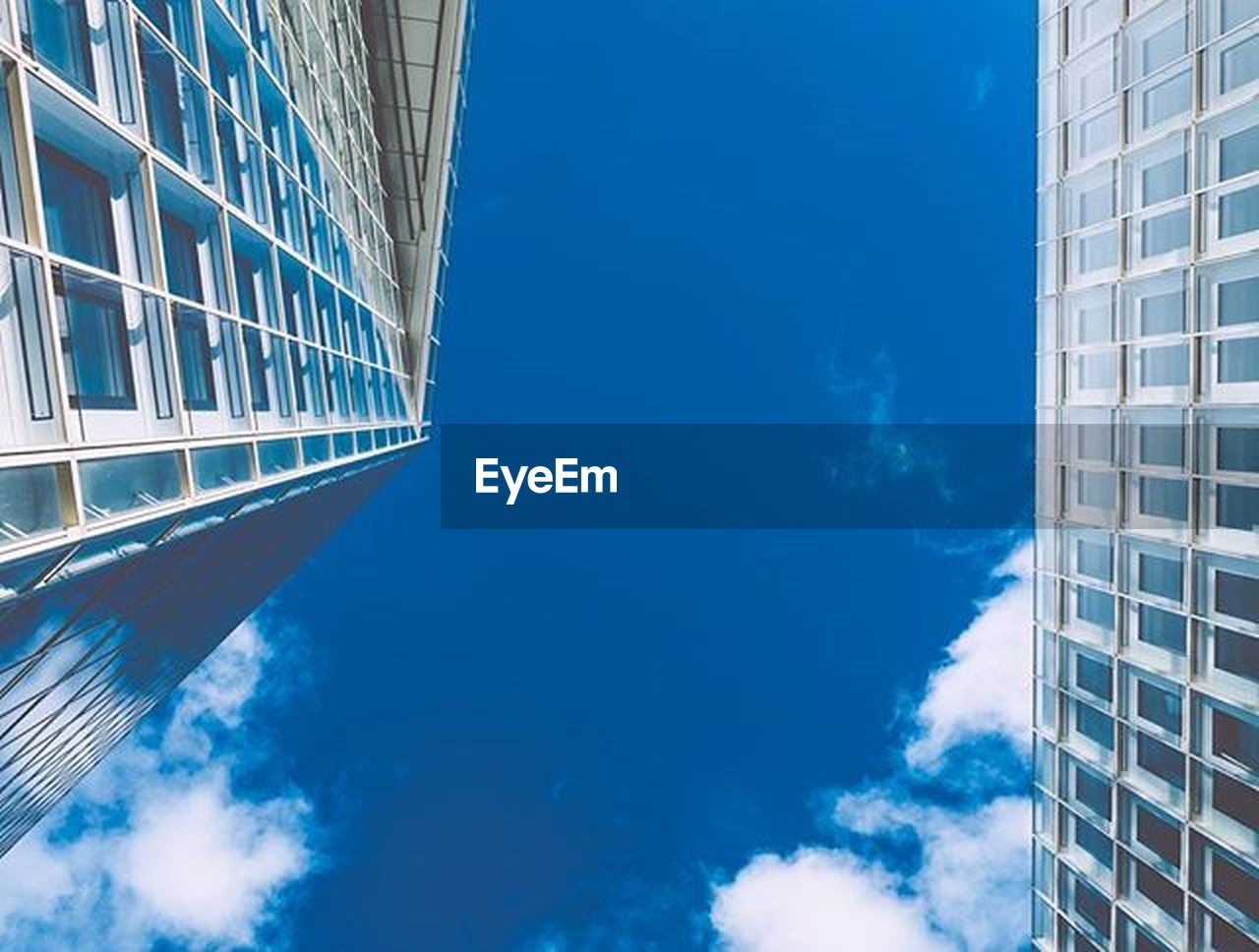architecture, window, modern, building exterior, built structure, skyscraper, blue, sky, low angle view, no people, day, outdoors, city