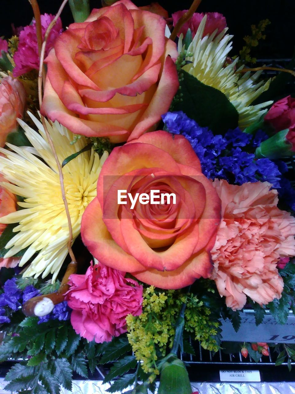 flower, petal, fragility, beauty in nature, flower head, freshness, rose - flower, nature, bouquet, blossom, growth, no people, close-up, multi colored, flower shop, plant, flower market, blooming, day, outdoors