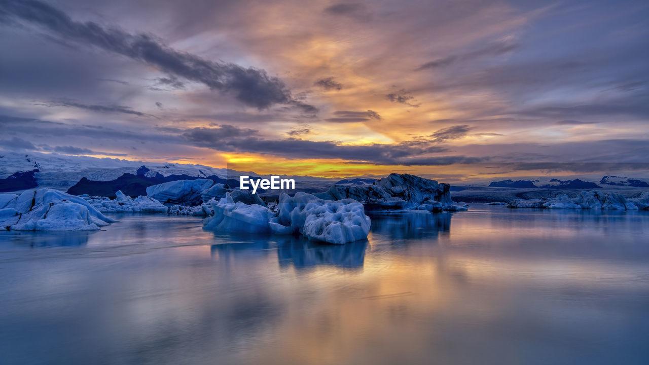 Sunset at jokusarlon in south iceland.