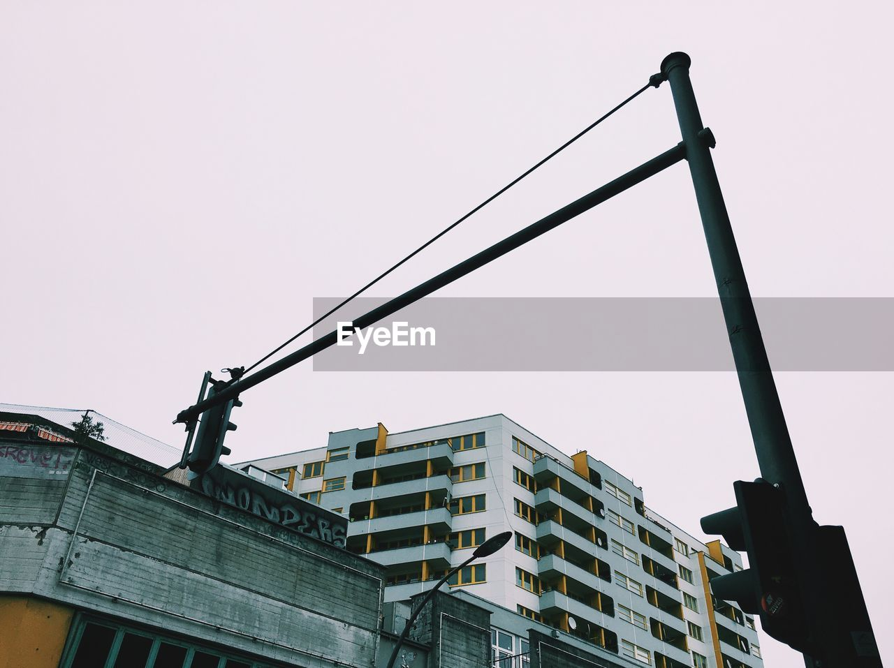 architecture, low angle view, built structure, clear sky, building exterior, no people, outdoors, city, day, sky