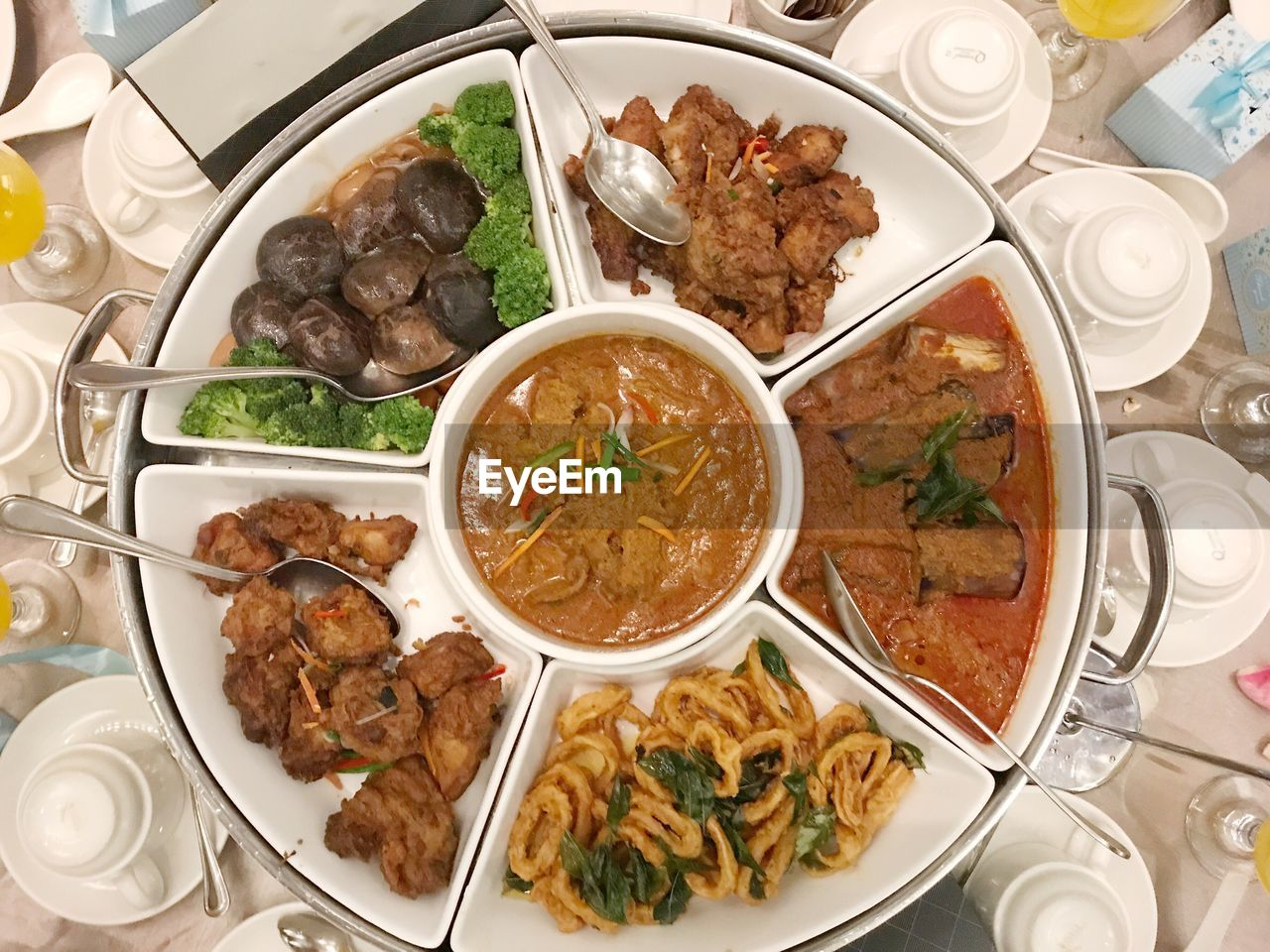 food and drink, food, ready-to-eat, serving size, freshness, meat, plate, table, healthy eating, high angle view, bowl, indoors, soup, meal, no people, beef, day, close-up