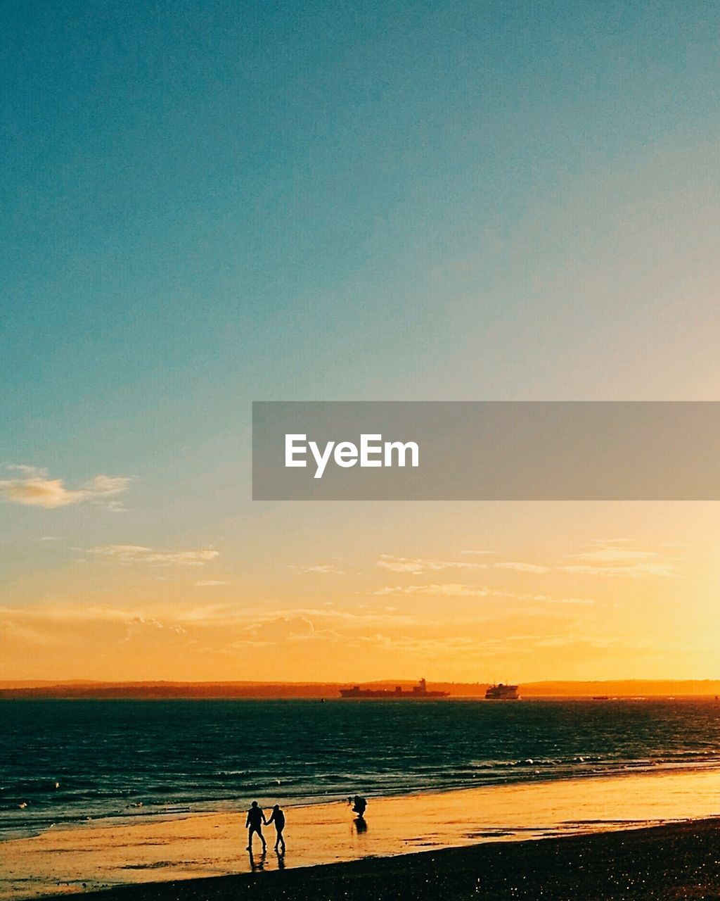 sky, water, sunset, land, beauty in nature, sea, beach, real people, bicycle, horizon, nature, scenics - nature, horizon over water, orange color, transportation, animal themes, riding, ride, tranquil scene, outdoors