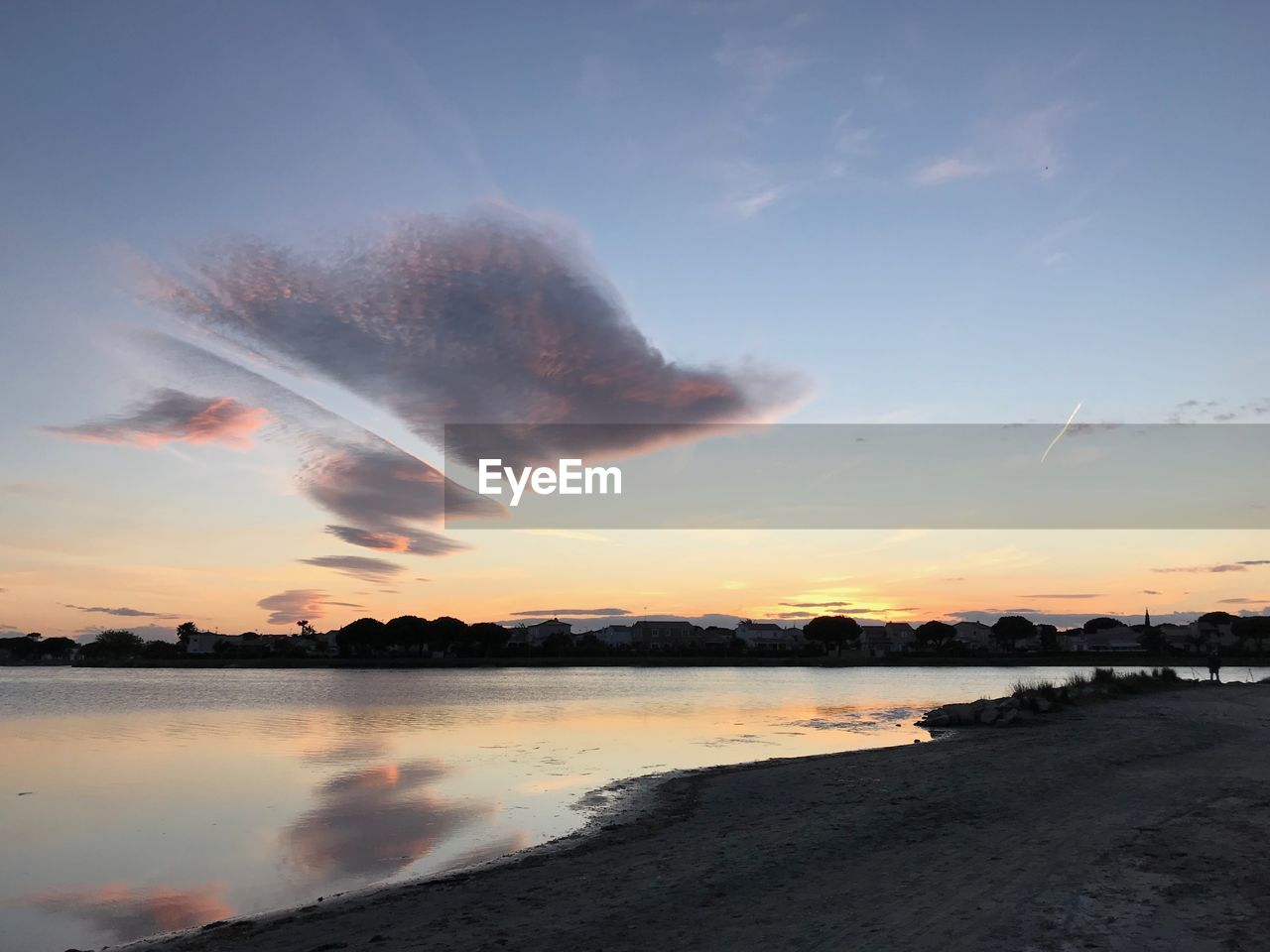 sky, sunset, water, beauty in nature, cloud - sky, tranquility, scenics - nature, orange color, tranquil scene, lake, nature, reflection, no people, silhouette, idyllic, outdoors, non-urban scene, environment, beach