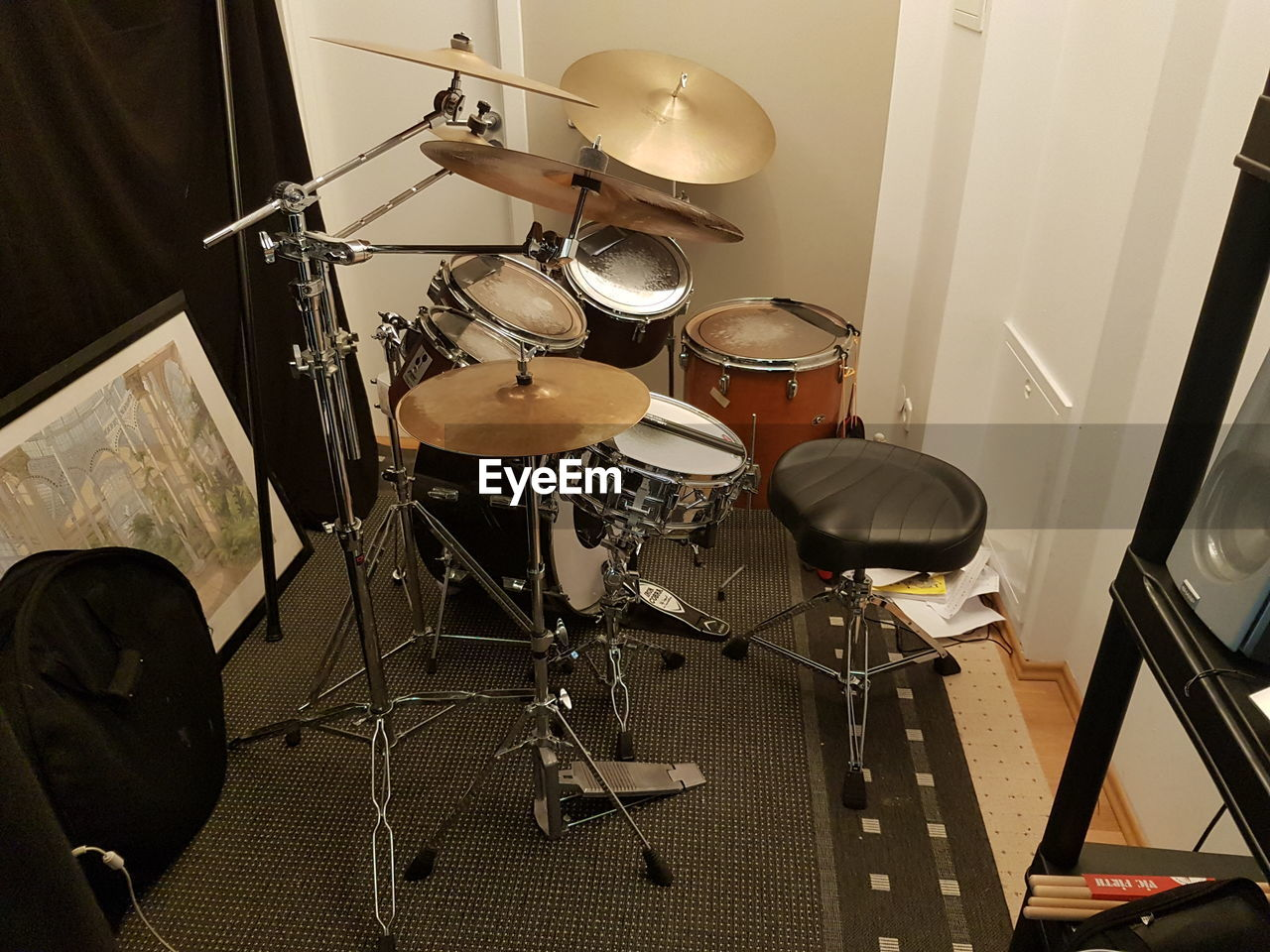 drum kit, drum - percussion instrument, arts culture and entertainment, indoors, music, cymbal, musical instrument, no people, recording studio, day