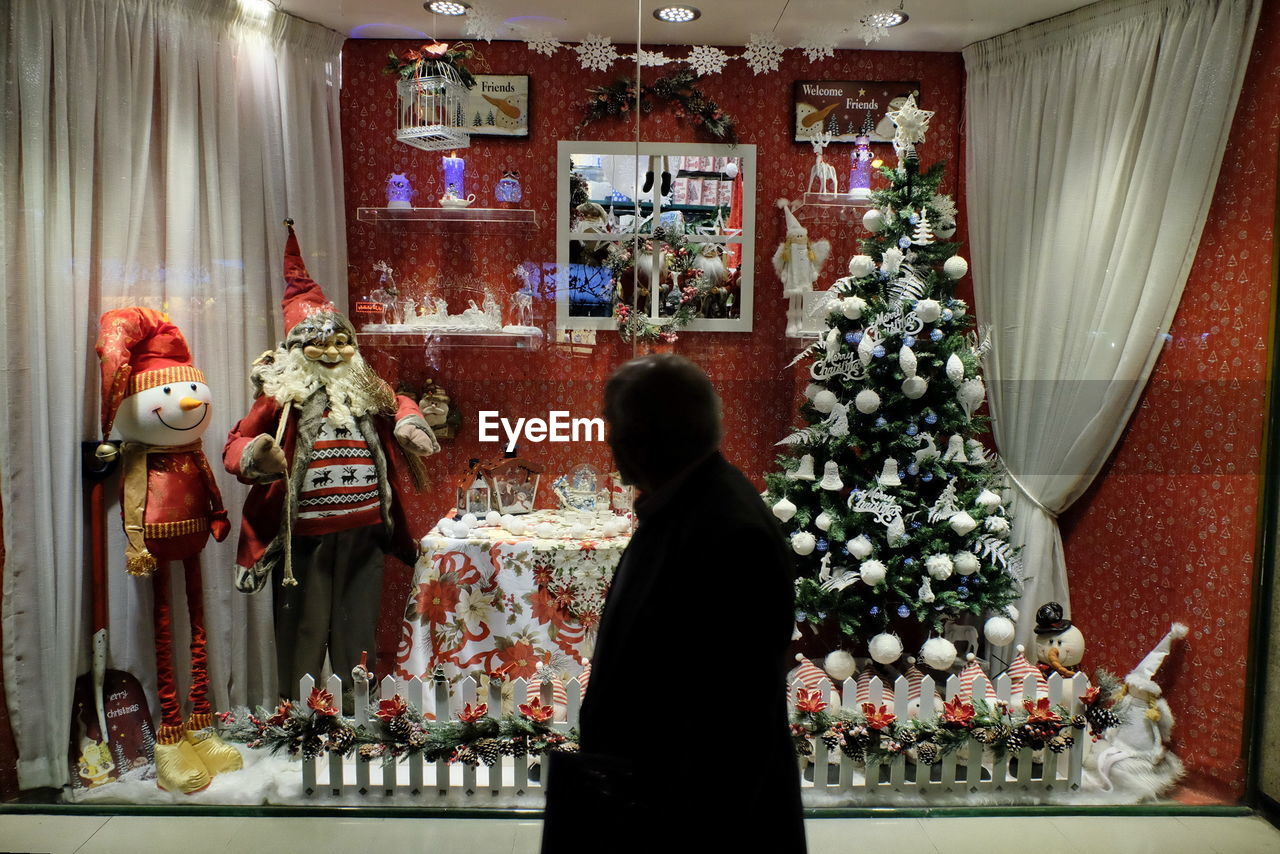 christmas, rear view, one person, indoors, christmas decoration, day, people, one man only, only men, adult