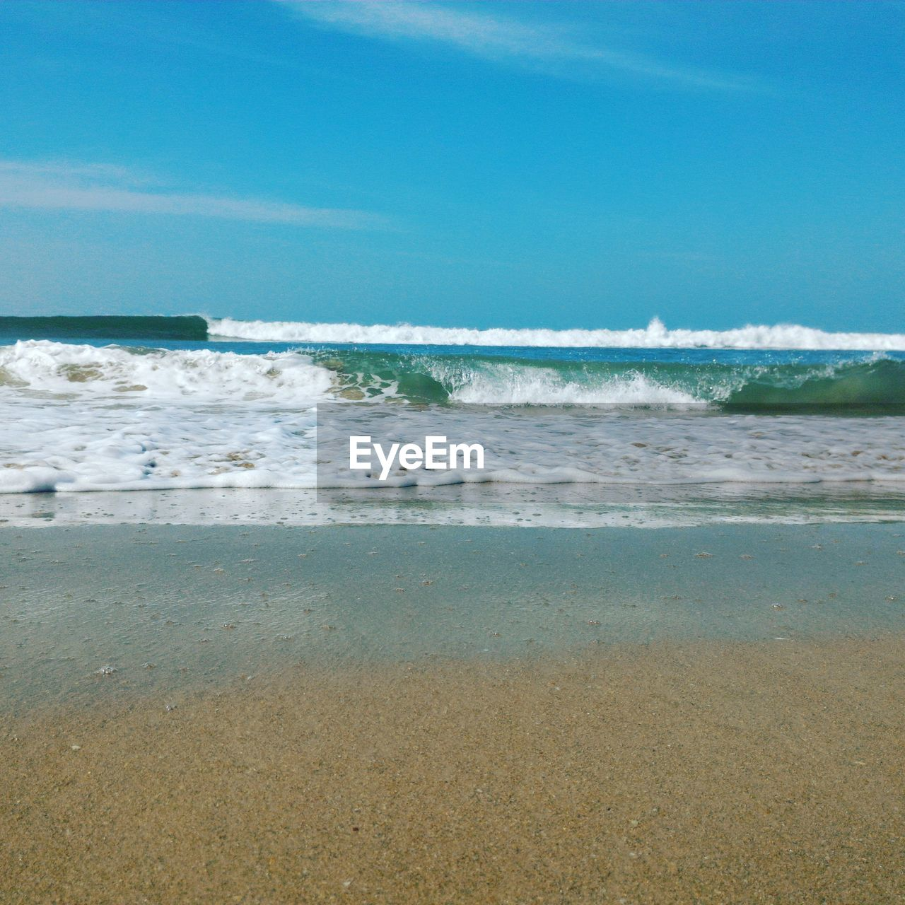 sea, beach, wave, water, surf, nature, sand, beauty in nature, shore, scenics, tranquility, blue, day, tranquil scene, no people, tide, outdoors, horizon over water, sky