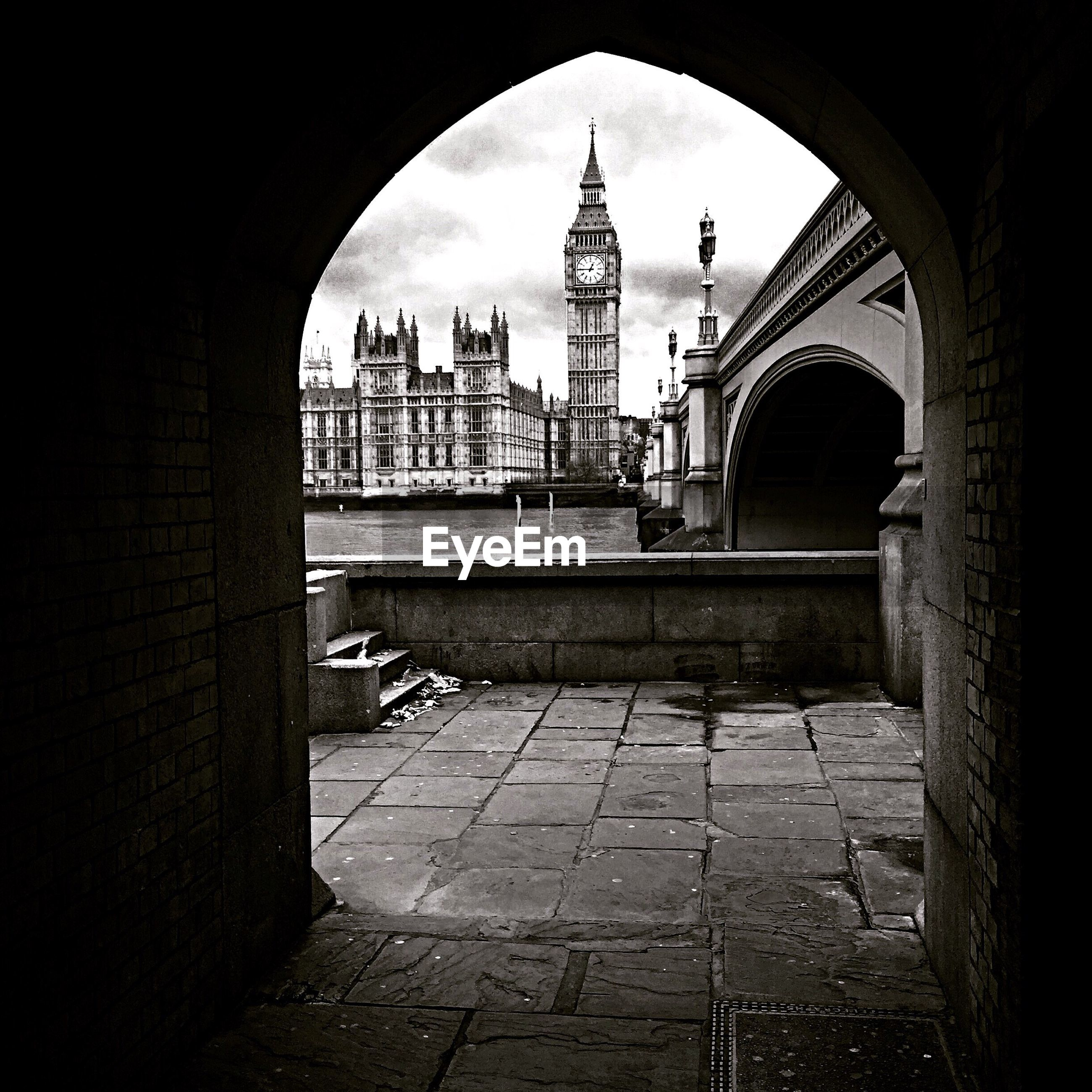 Big ben and the houses of parliament seen through walkway