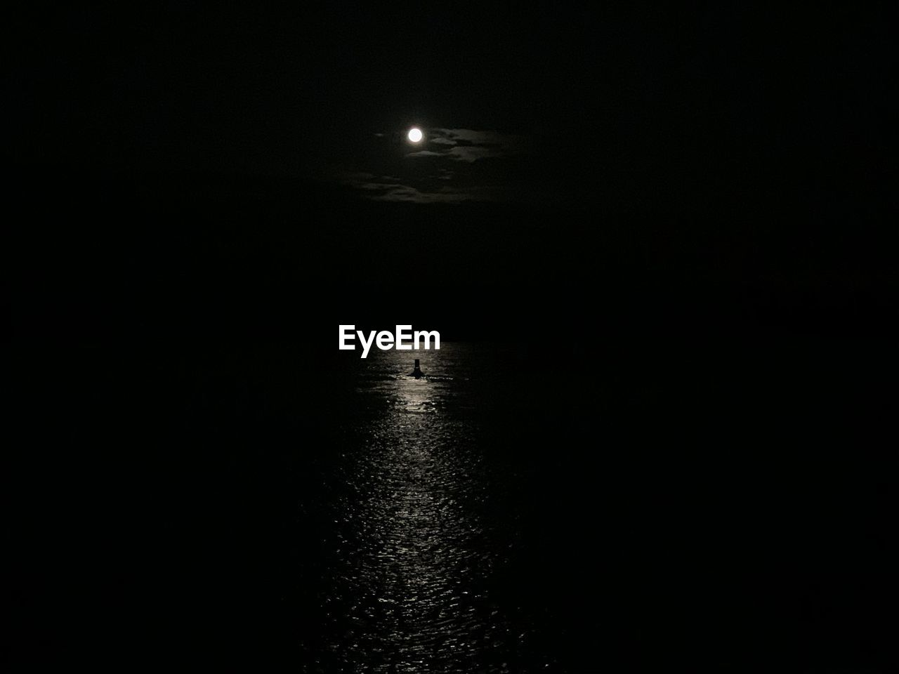 moon, water, night, no people, tranquility, scenics - nature, dark, beauty in nature, sky, moonlight, tranquil scene, nature, copy space, sea, reflection, waterfront, illuminated, outdoors, full moon