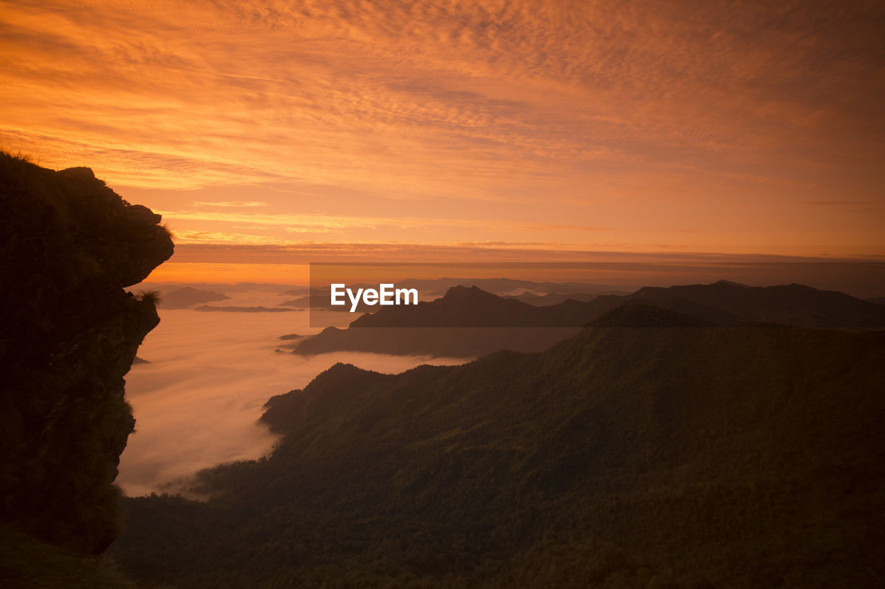sunset, nature, beauty in nature, tranquility, scenics, tranquil scene, mountain, sky, no people, landscape, outdoors