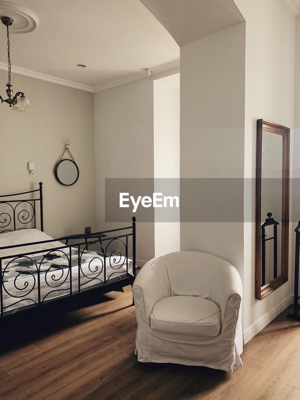 VIEW OF EMPTY ROOM WITH HOME