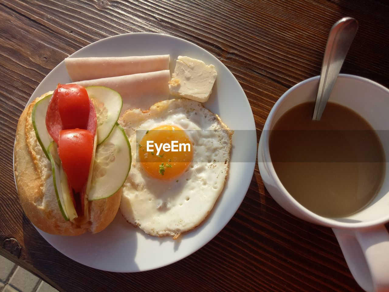 food and drink, food, egg, healthy eating, ready-to-eat, breakfast, table, freshness, meal, fried egg, fried, plate, wellbeing, drink, indoors, no people, bread, kitchen utensil, cup, tomato, egg yolk, sunny side up