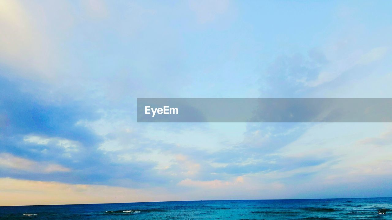 sea, horizon over water, water, sky, scenics, tranquil scene, tranquility, nature, beauty in nature, cloud - sky, idyllic, beach, outdoors, blue, no people, horizon, day