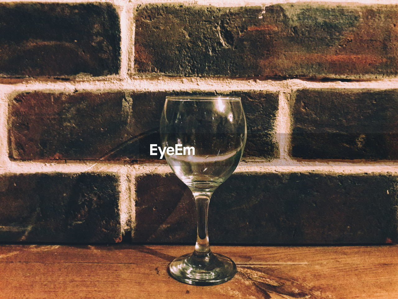 wine, refreshment, drink, table, food and drink, wineglass, brick wall, no people, indoors, drinking glass, alcohol, close-up, day, freshness