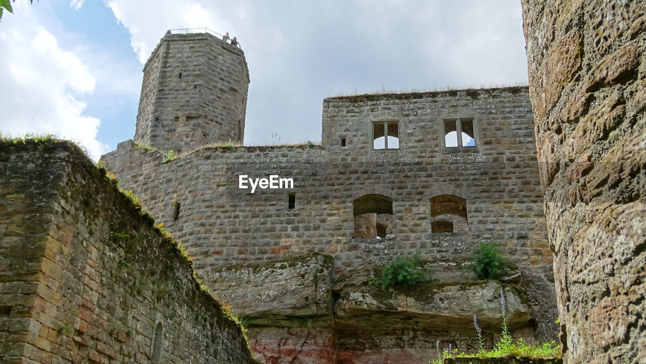 architecture, built structure, history, the past, ancient, sky, building exterior, old ruin, old, travel destinations, fort, building, cloud - sky, nature, travel, castle, wall, day, tourism, low angle view, ancient civilization, no people, ruined, stone wall, outdoors, archaeology, ancient history