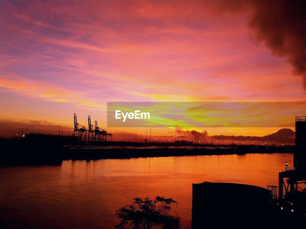 sunset, sky, water, cloud - sky, orange color, silhouette, beauty in nature, scenics - nature, nature, industry, nautical vessel, architecture, no people, transportation, dramatic sky, sea, crane - construction machinery, machinery, tranquility, outdoors, construction equipment