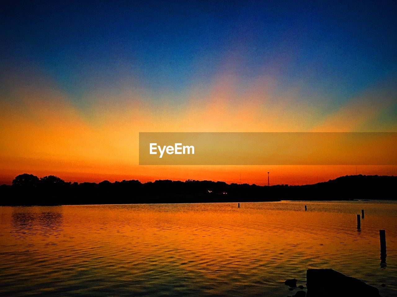 sunset, sky, water, beauty in nature, scenics - nature, silhouette, orange color, tranquility, tranquil scene, lake, nature, idyllic, no people, cloud - sky, reflection, non-urban scene, outdoors, dramatic sky, copy space, romantic sky
