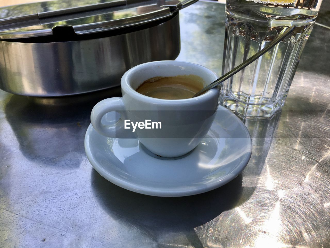 cup, food and drink, drink, refreshment, mug, coffee, coffee cup, saucer, crockery, table, coffee - drink, still life, freshness, indoors, close-up, tea, no people, food, hot drink
