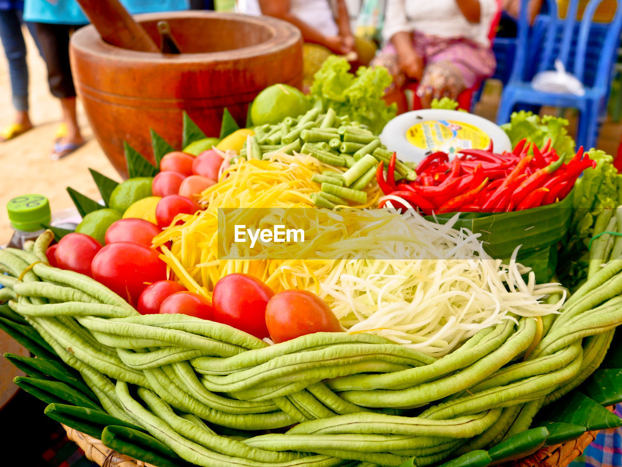 CLOSE-UP OF FRUITS WITH VEGETABLES