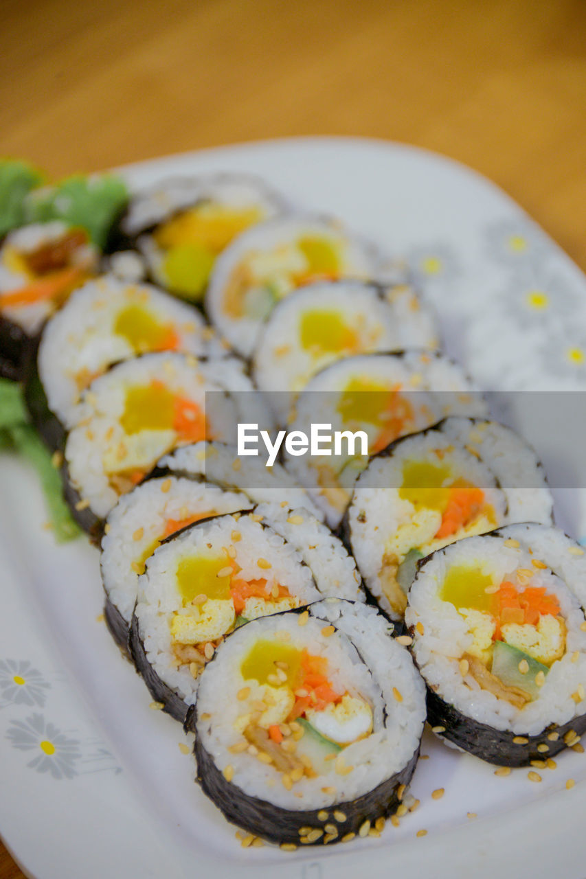 ready-to-eat, food, food and drink, wellbeing, healthy eating, freshness, plate, rice, indoors, still life, serving size, close-up, seafood, sushi, no people, japanese food, table, rice - food staple, asian food, fish, temptation, garnish