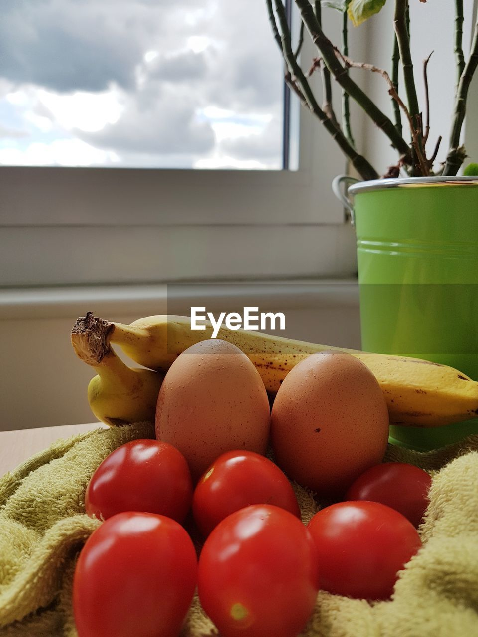 food, food and drink, vegetable, freshness, healthy eating, wellbeing, still life, indoors, tomato, no people, fruit, nature, close-up, container, egg, day, table, plant, raw food, red, snack