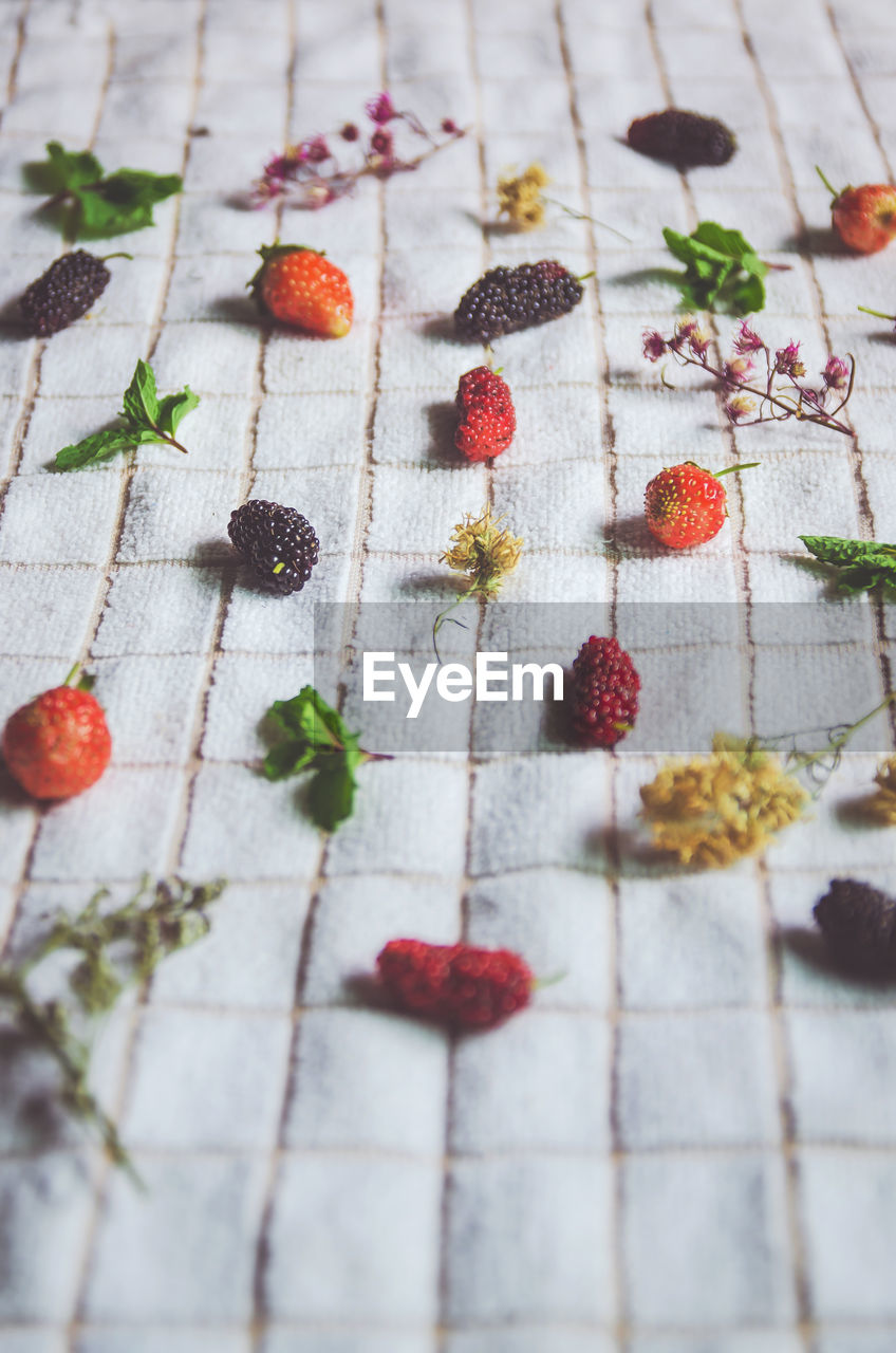 food and drink, food, fruit, berry fruit, freshness, sweet food, still life, healthy eating, high angle view, indulgence, indoors, dessert, sweet, no people, strawberry, ready-to-eat, temptation, table, baked, close-up, garnish