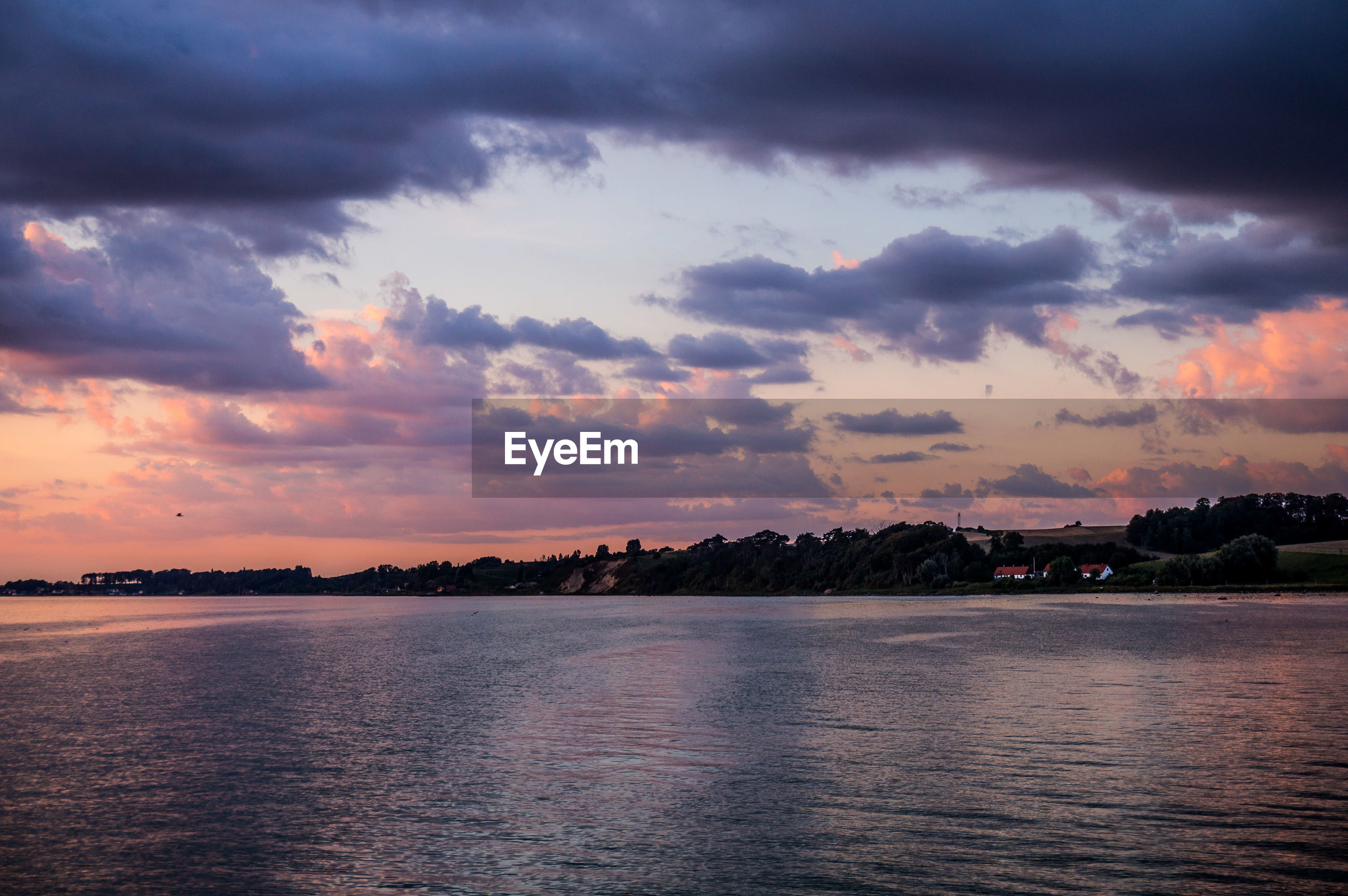 sunset, cloud - sky, sky, beauty in nature, scenics, nature, tranquility, tranquil scene, water, no people, sea, outdoors, day