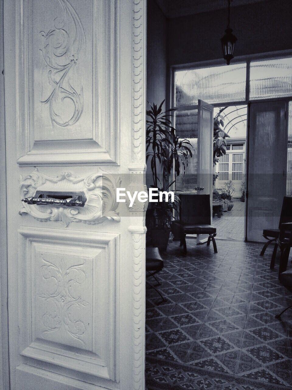 door, no people, architecture, sculpture, statue, doorway, history, day, built structure, indoors, open door