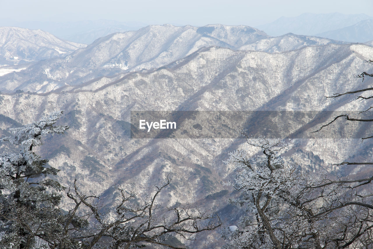 nature, mountain, day, outdoors, no people, snow, beauty in nature, cold temperature, mountain range, winter, scenics