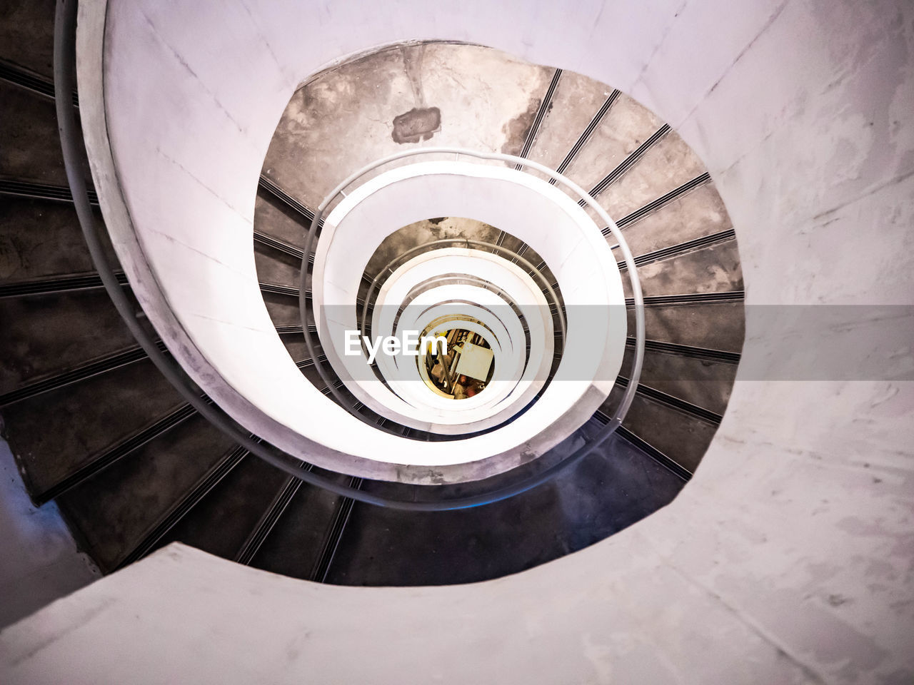 spiral, staircase, steps and staircases, architecture, built structure, spiral staircase, railing, indoors, high angle view, directly above, design, pattern, geometric shape, shape, building, diminishing perspective, no people, circle, directly below