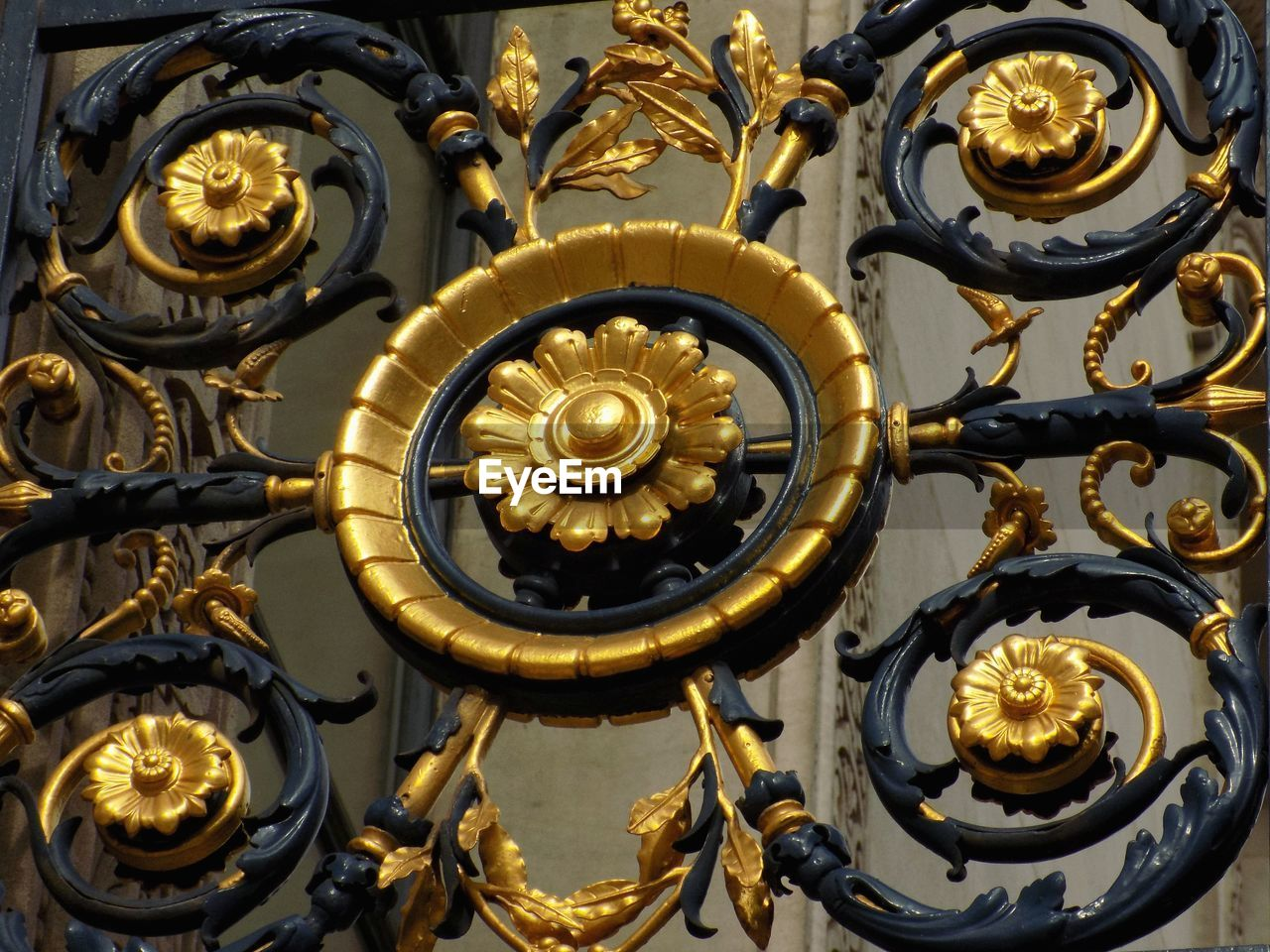 metal, gold colored, no people, close-up, design, pattern, shape, technology, indoors, art and craft, equipment, ornate, decoration, focus on foreground, day, engine, gear, full frame, geometric shape, luxury