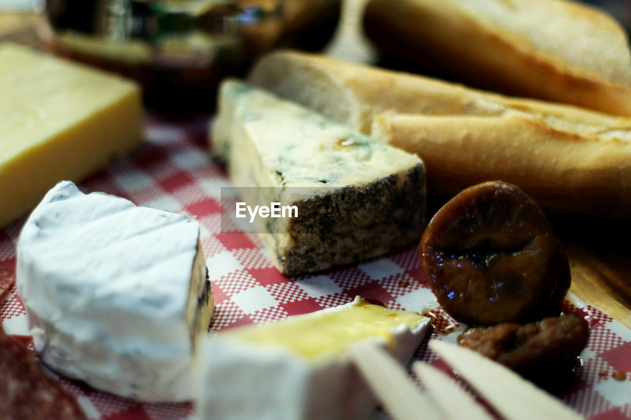 food and drink, food, selective focus, freshness, still life, indulgence, indoors, ready-to-eat, bread, cheese, close-up, dairy product, no people, table, wellbeing, healthy eating, choice, variation, slice, plate, temptation, breakfast, snack, french food