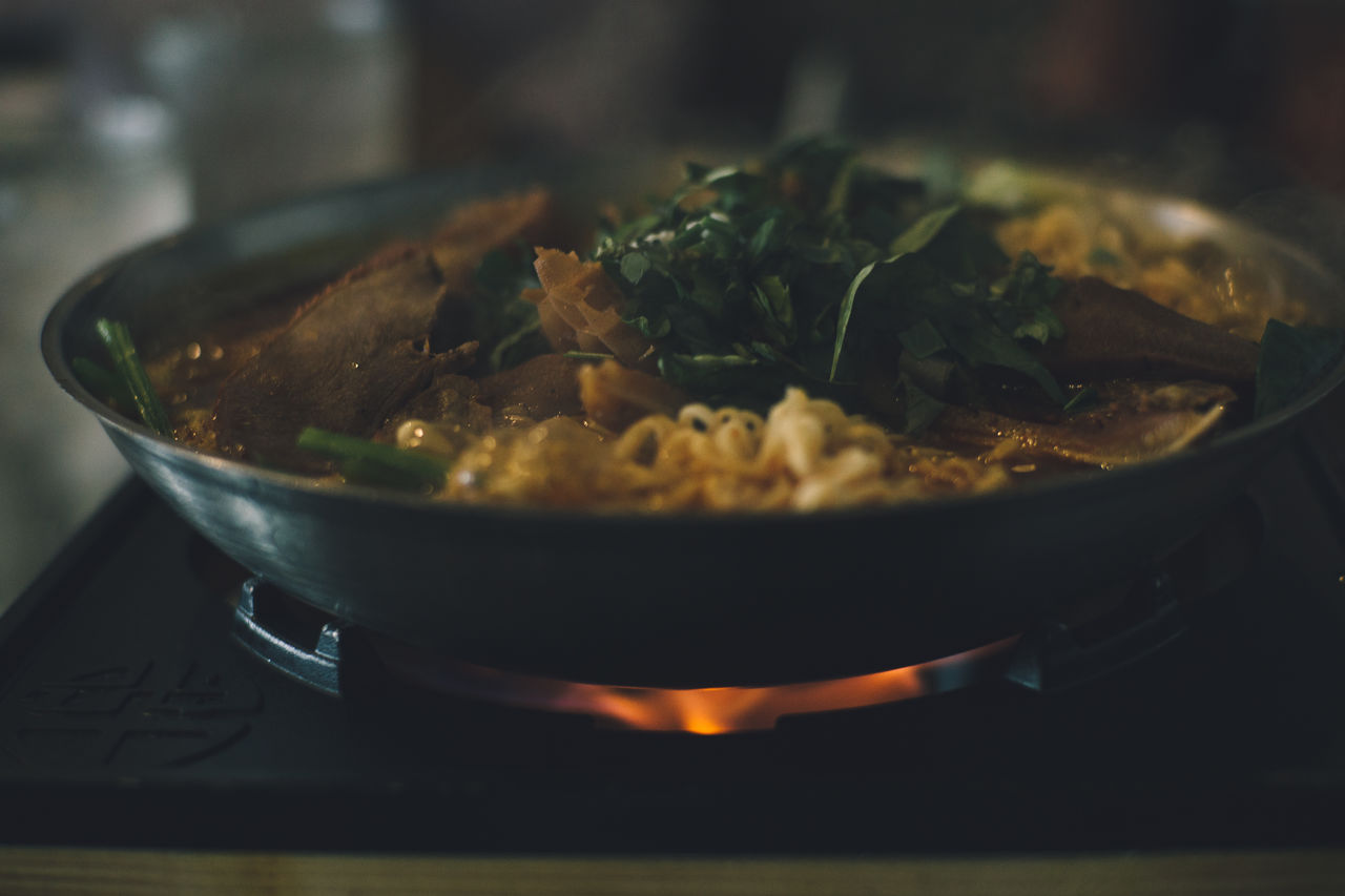 food and drink, food, freshness, close-up, ready-to-eat, indoors, wellbeing, healthy eating, selective focus, no people, table, kitchen utensil, vegetable, still life, bowl, heat - temperature, serving size, household equipment, focus on foreground, indulgence, herb, temptation, garnish, casserole