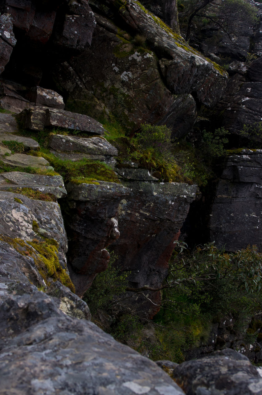 rock - object, rock formation, moss, nature, no people, waterfall, day, outdoors, tranquility, beauty in nature, water