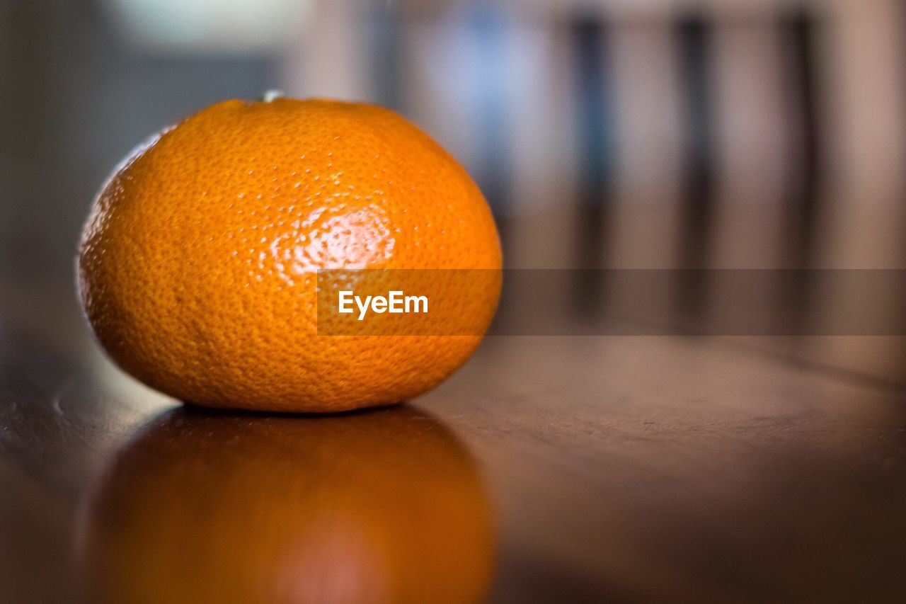 orange color, orange - fruit, fruit, citrus fruit, food and drink, healthy eating, close-up, freshness, indoors, food, no people, focus on foreground, day