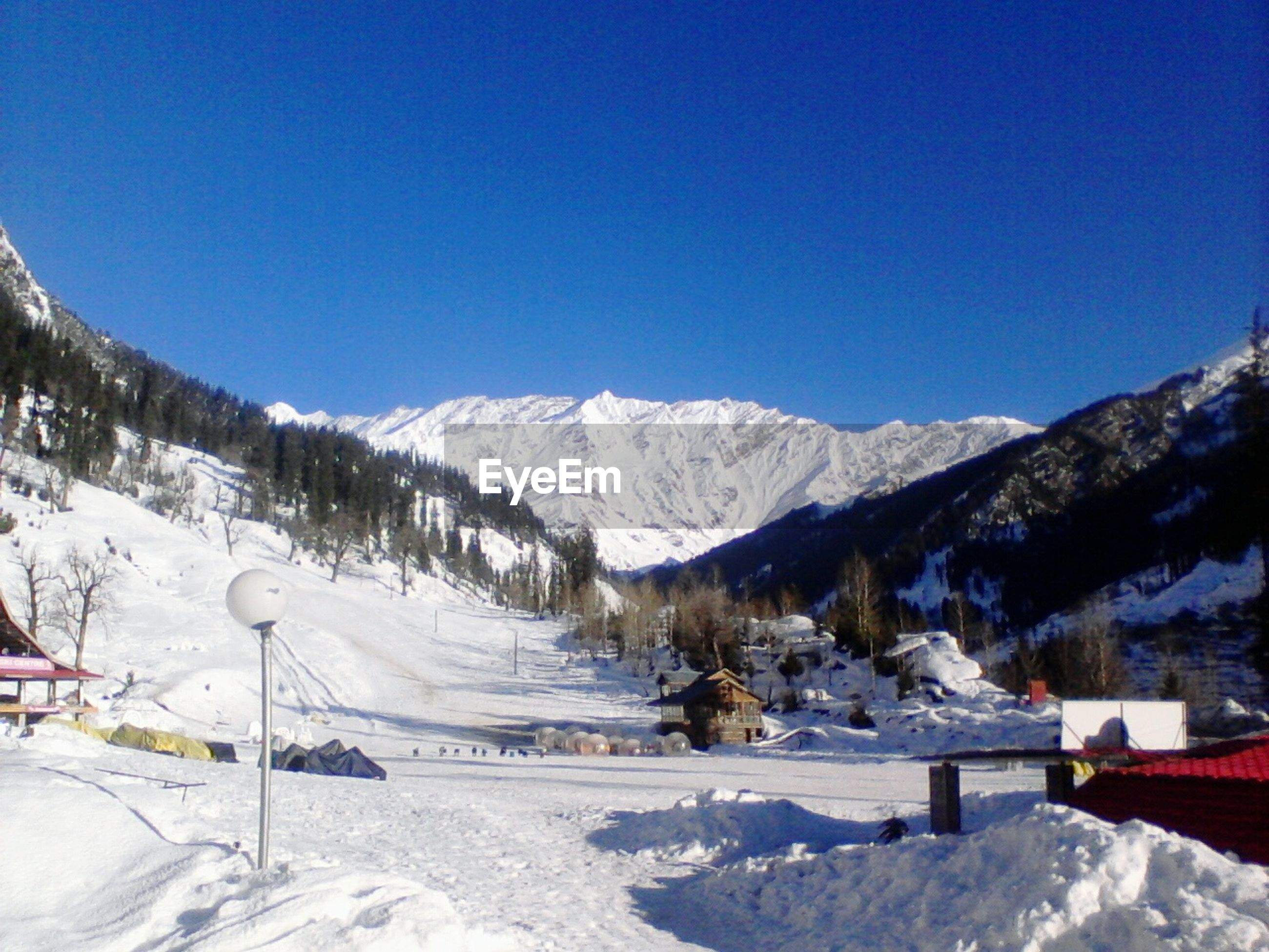 snow, winter, cold temperature, season, weather, mountain, snowcapped mountain, clear sky, covering, landscape, tranquil scene, blue, frozen, scenics, beauty in nature, copy space, tranquility, white color, mountain range, nature