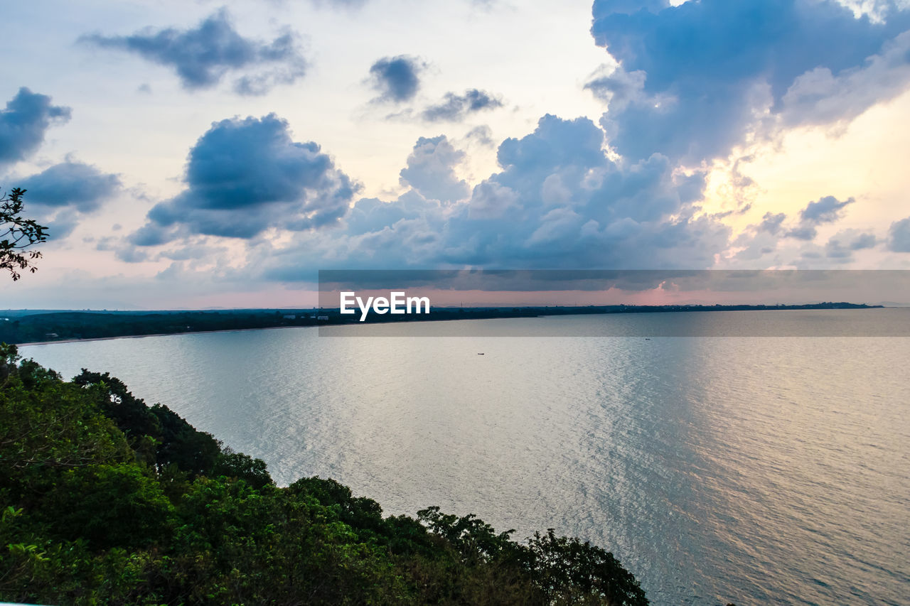 scenics, tranquil scene, tranquility, sky, nature, cloud - sky, beauty in nature, water, sea, idyllic, no people, outdoors, sunset, tree, day